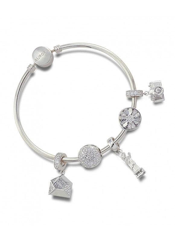 Wanderlust Heart Aurora 18k white gold bangle and charm set